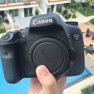 canon_7d_body_with_free_battery_grip_1456642846_3558d723[1]