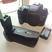 canon_7d_body_with_free_battery_grip_1456642846_3f2bf40b[1]